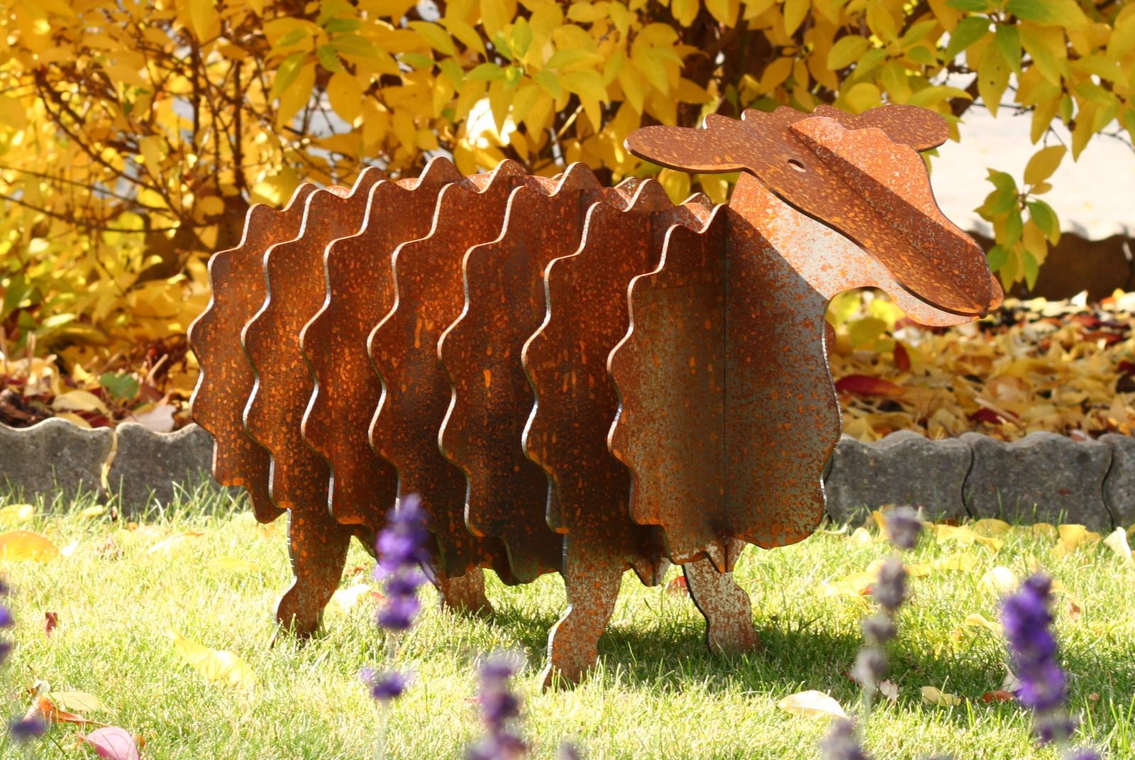 fotos gartenskulptur schaf mit edelrost. Black Bedroom Furniture Sets. Home Design Ideas