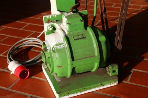 Exzenterschere -motor